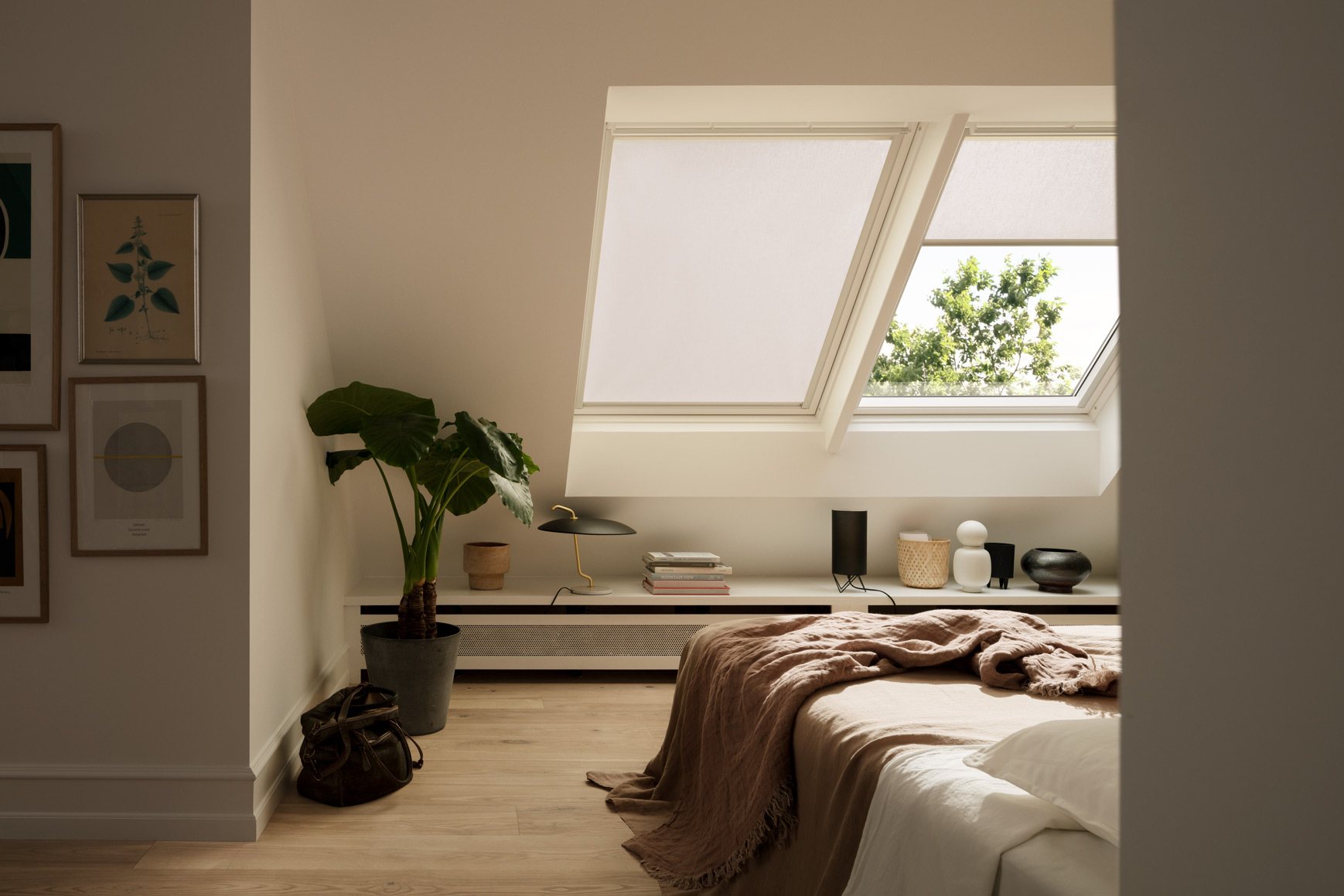 Eye-pleasing VELUX Blinds and Ideas for Your Bedroom